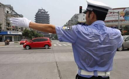 习总女儿照_这张不笑的正装照,真的成了他的遗照… - 中国日报网
