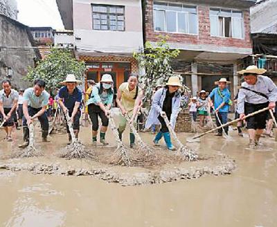 众志成城保家园——湖南、广西、江西抗洪救灾见闻