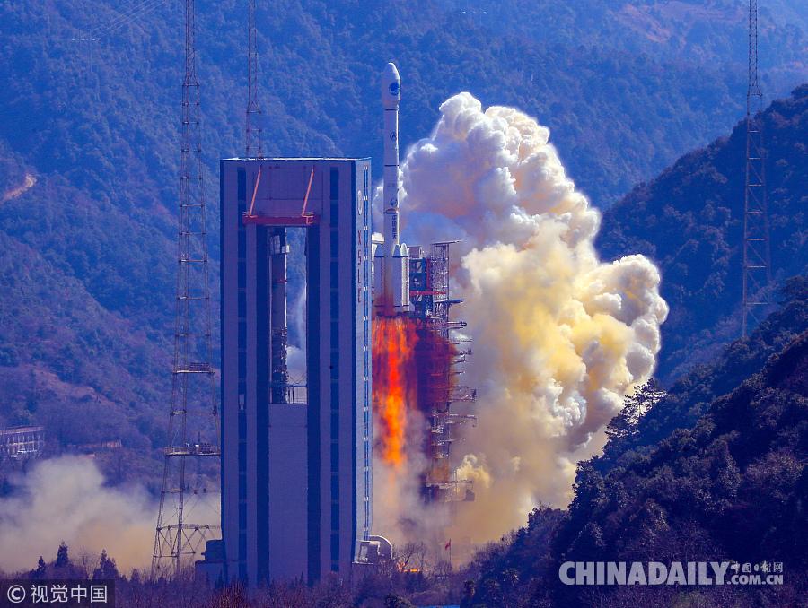 """我国以""""一箭双星""""方式成功发射第二十八、二十九颗北斗导航卫星"""